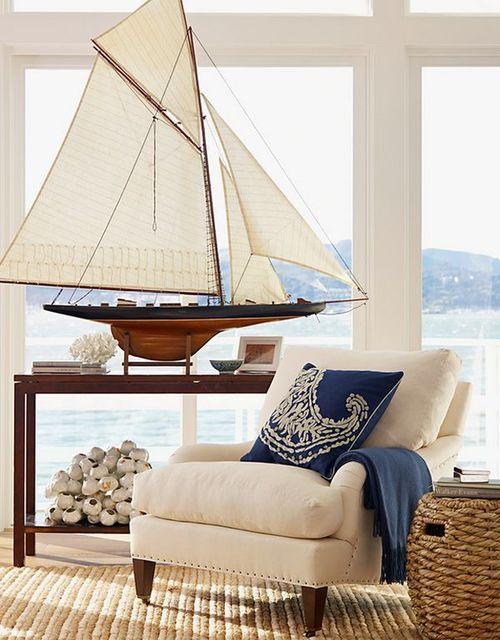 salotto-ispirazione-casa-al-mare-decorazioni-barche-modellino