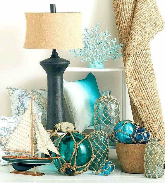 salotto-ispirazione-casa-al-mare-tavolino-decorazioni-barche-corde