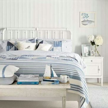 camera-da-letto-ispirazione-casa-al-mare-barche-righe