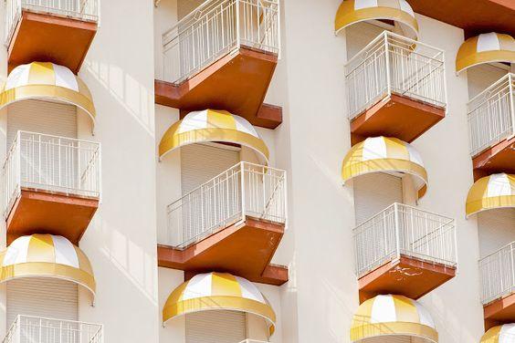 bonaventura-fotografo-jesolo-yellow-facade-balizroom