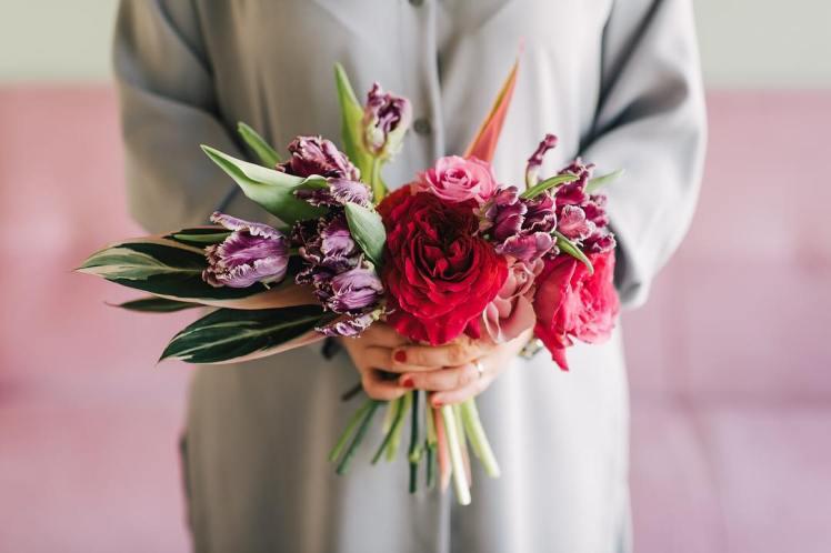 la-fiorellaia-bouquet-rose-garofani-tulipani-balizroom-primavera