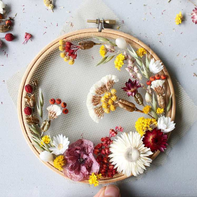 olga-prinku-balizroom-embroidery-dried-flowers-big-primavera-flower-design