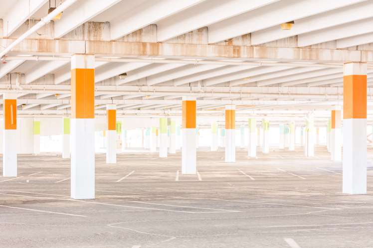 photography-jesse-rieser-changing-landscape-american-retail-parking-balizroom-interior-blog