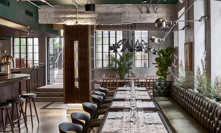balizroom-interiorblog-gorgeousgeorge-hotel-restaurant-tables.jpg