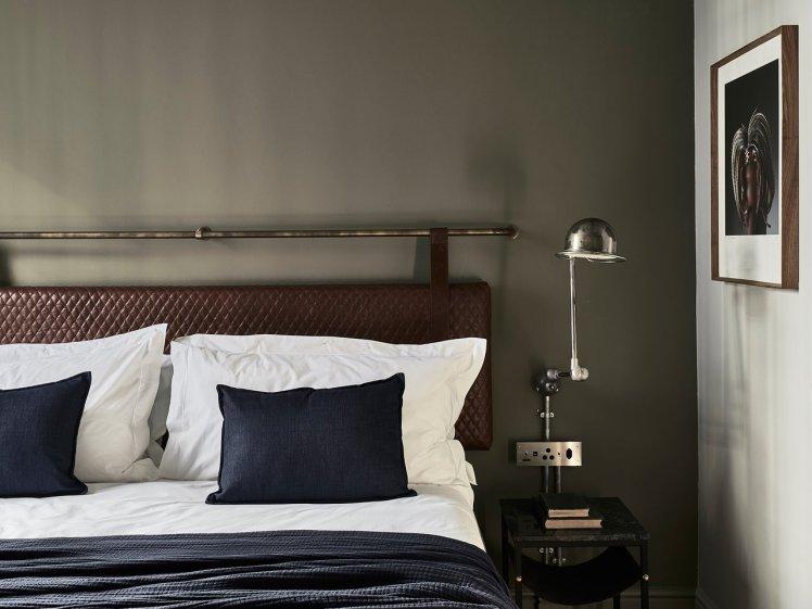 balizroom-interiorblog-gorgeousgeorge-hotel-suite-blue-colours.jpg