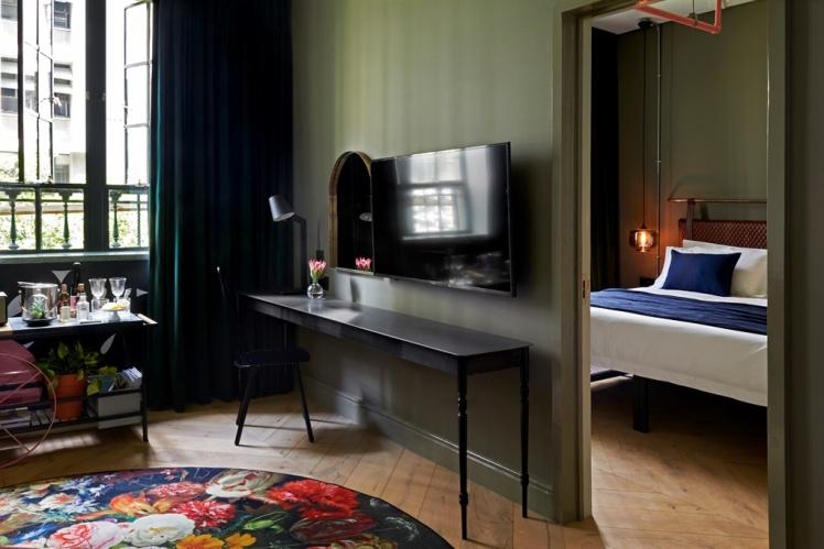 balizroom-interiorblog-gorgeousgeorge-hotel-suite-desk.jpg