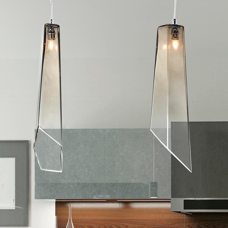 luci pendenti vetro beige per isola in cucina