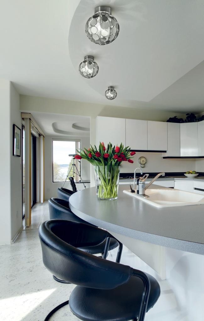 luci a soffitto tonde per isola in cucina